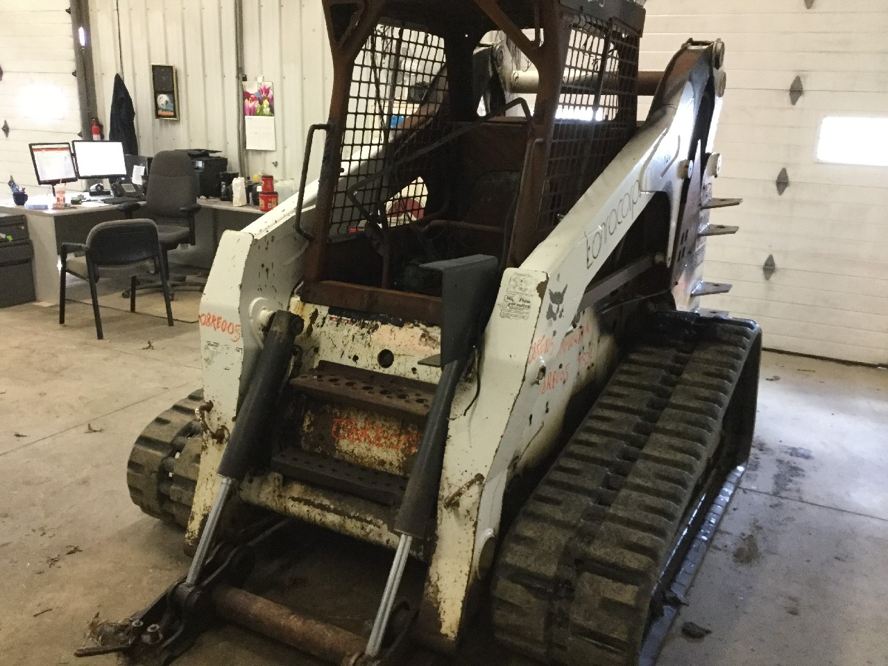 Bobcat T320 Loader Arm - 7115857