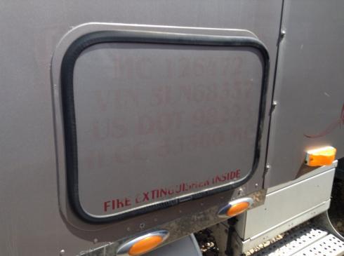 FREIGHTLINER COLUMBIA 120 Door