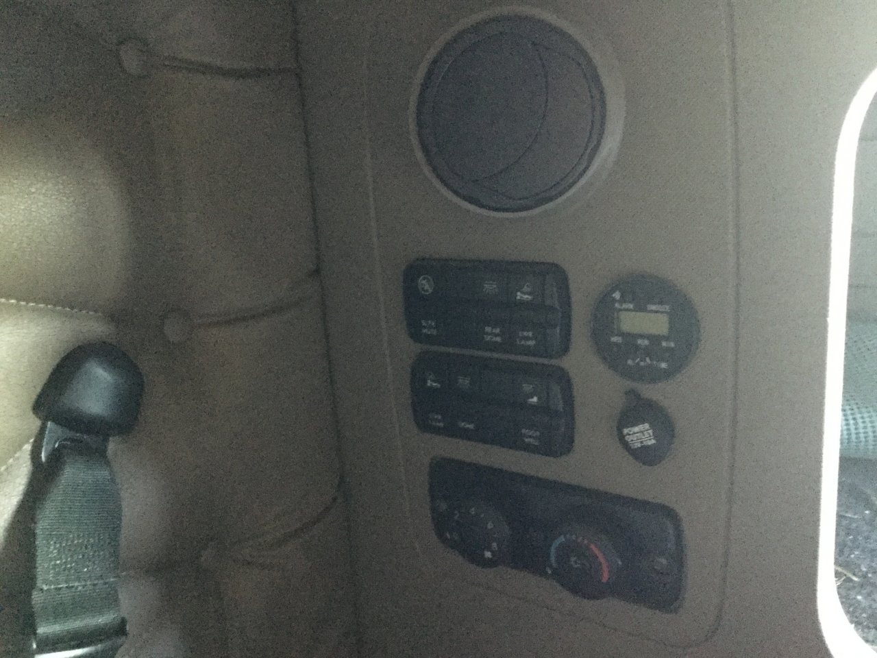 Freightliner Cascadia Control