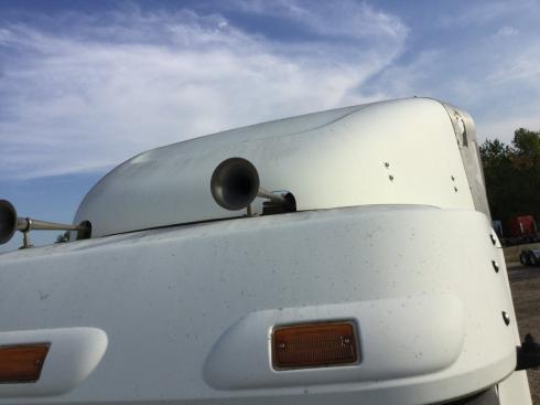 FREIGHTLINER COLUMBIA 120 Wind Deflector