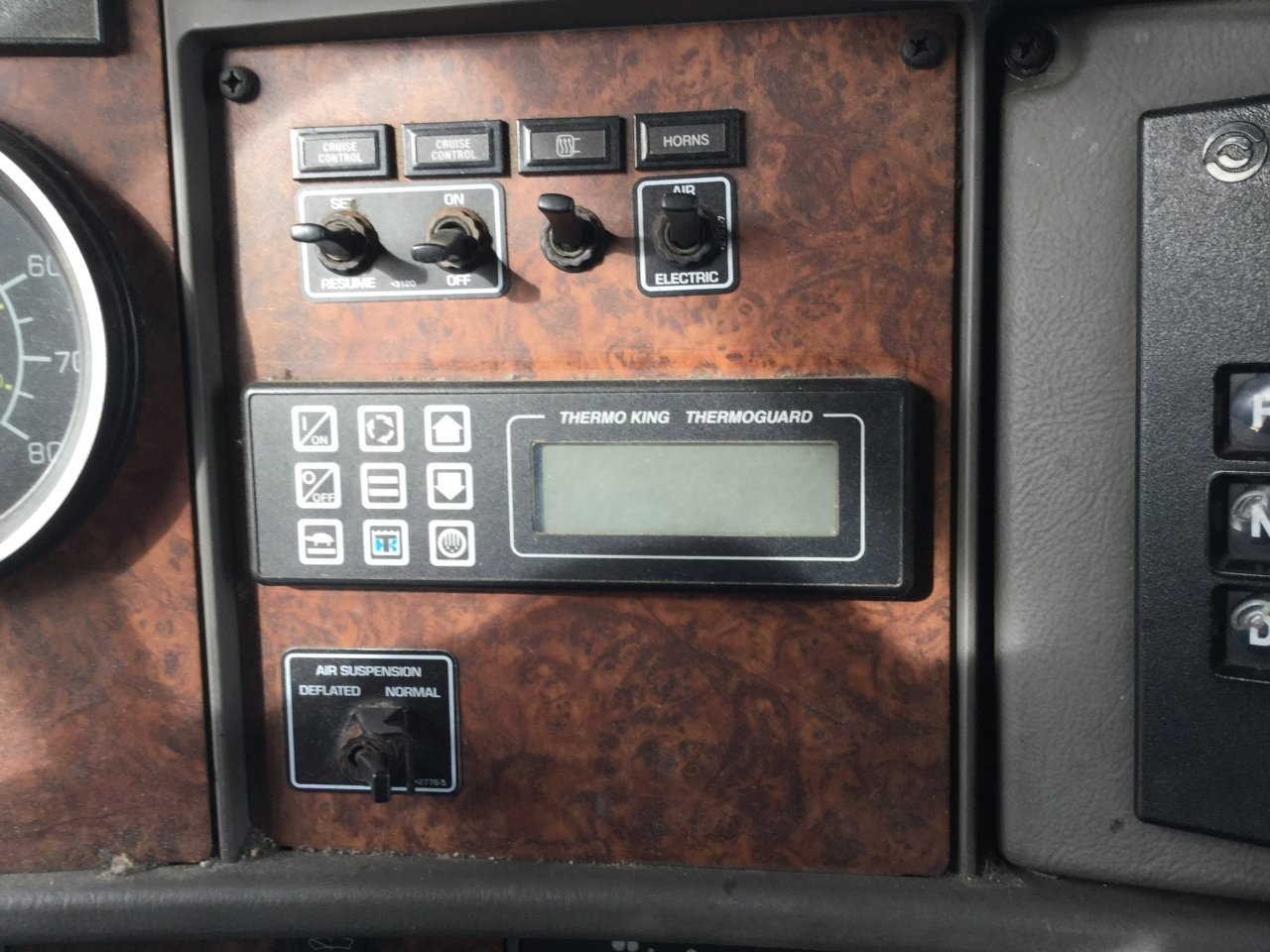 KENWORTH T300 Dash Panel