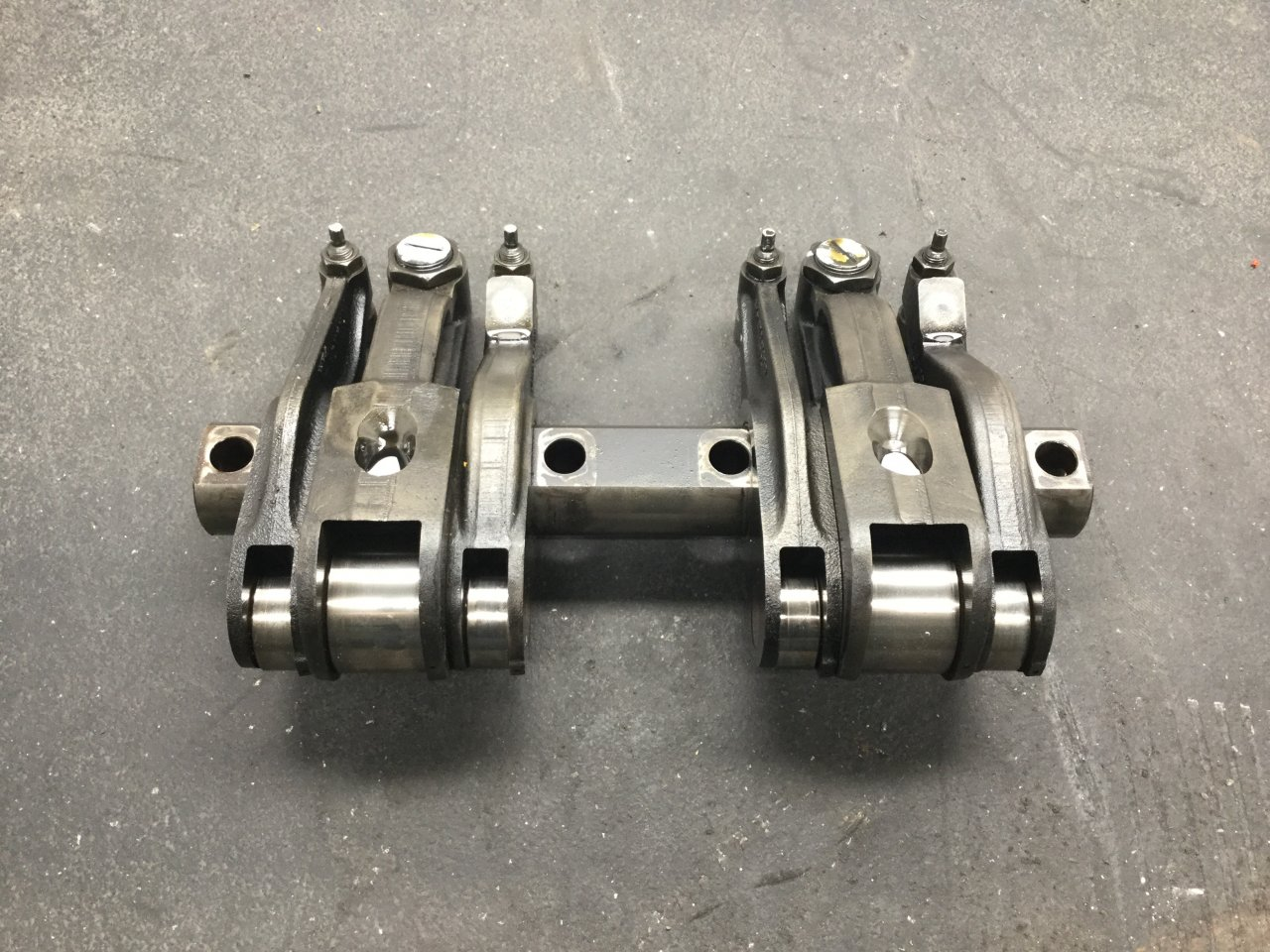 USED Details about  /BSA C15 ROCKER BOX WITH ROCKER ARMS 40-0206