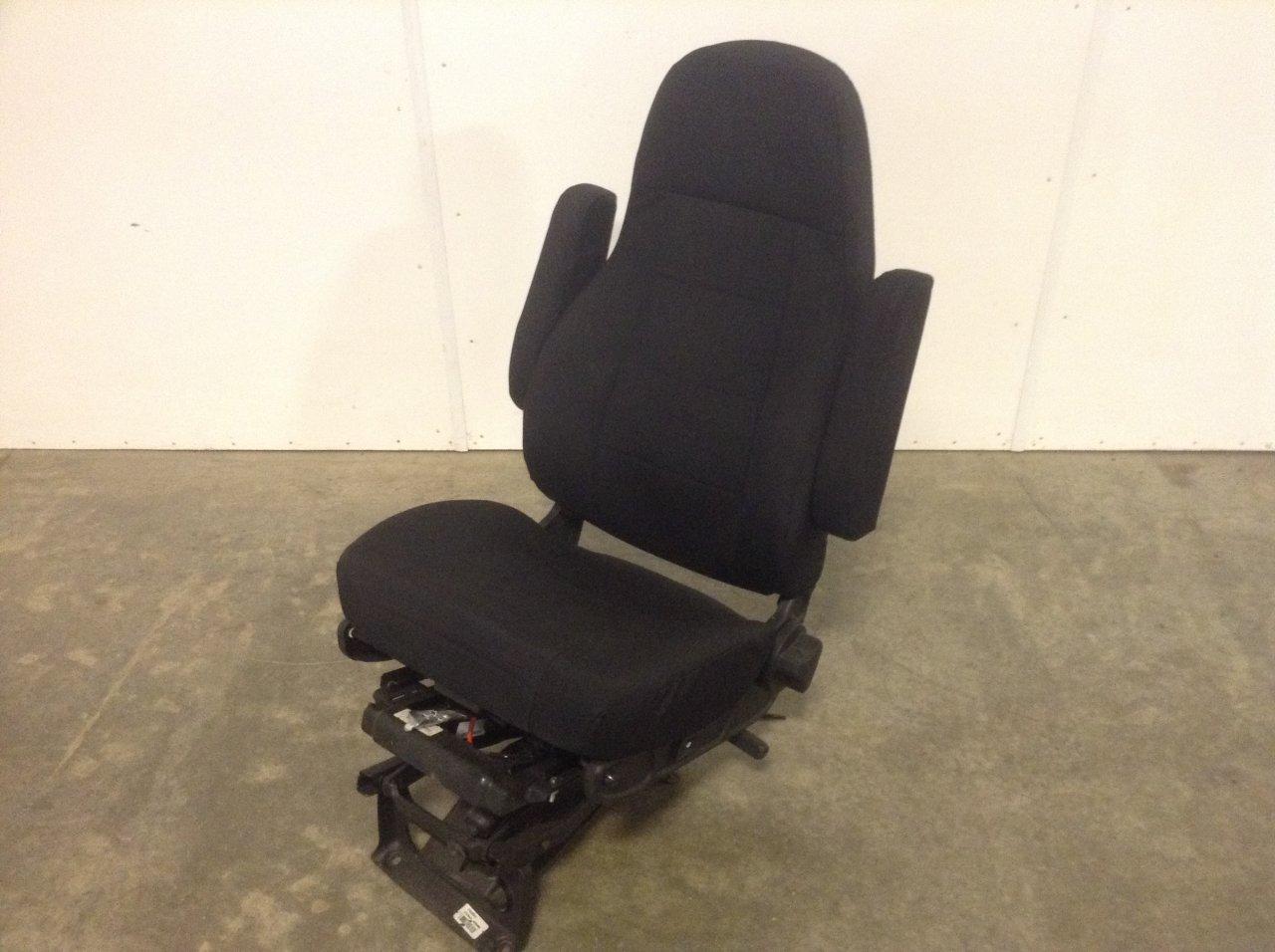 FREIGHTLINER M2 106 Seat, Air Ride