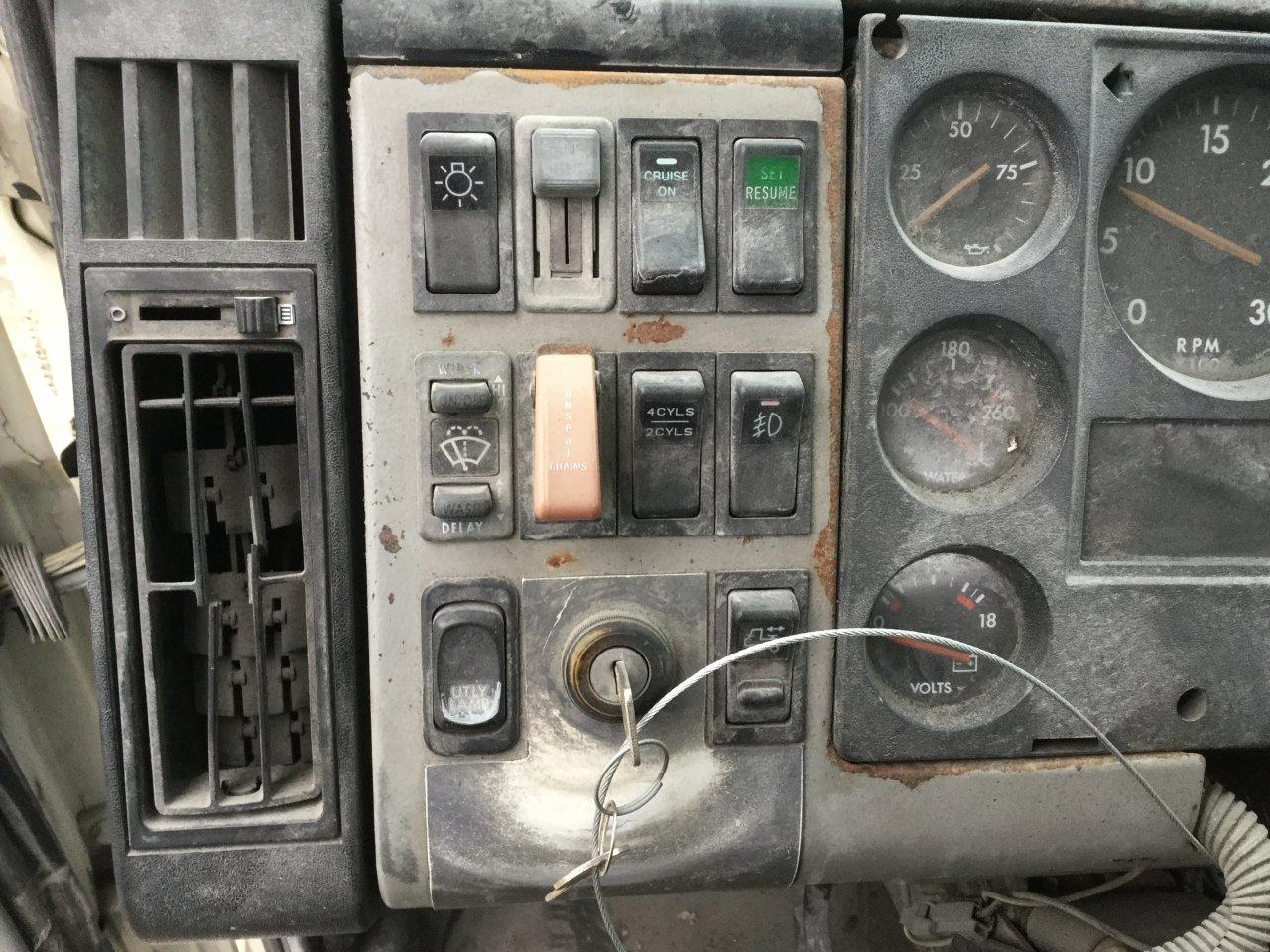 FREIGHTLINER FL112 Dash Panel