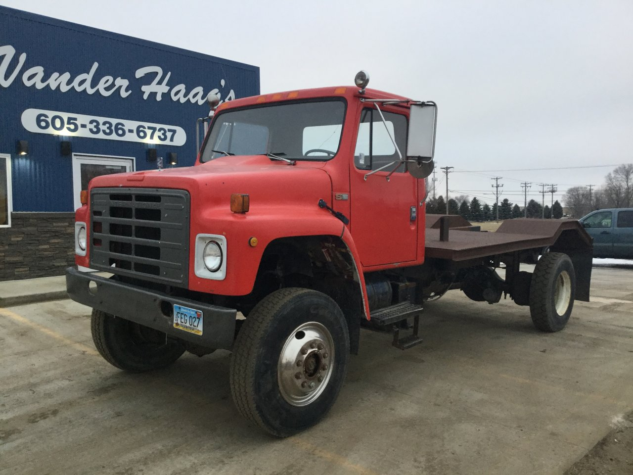 INTERNATIONAL S1900 Truck