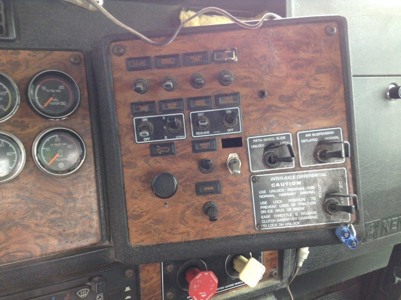 KENWORTH T800 Dash Panel