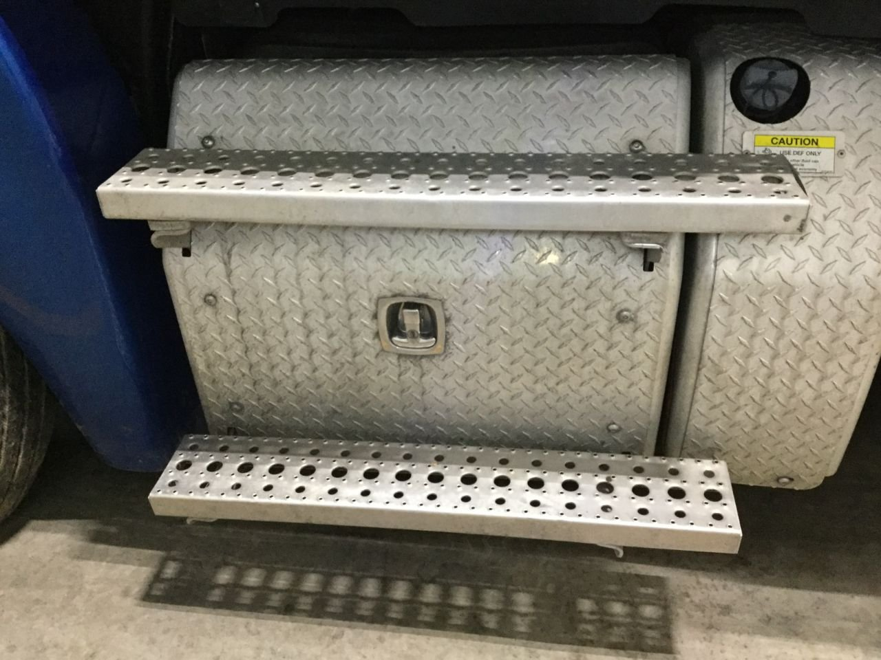 FREIGHTLINER CASCADIA Battery Box