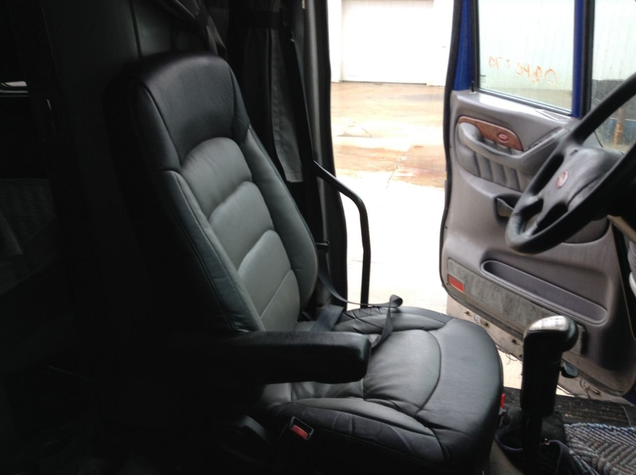 PETERBILT 387 Seat, Air Ride