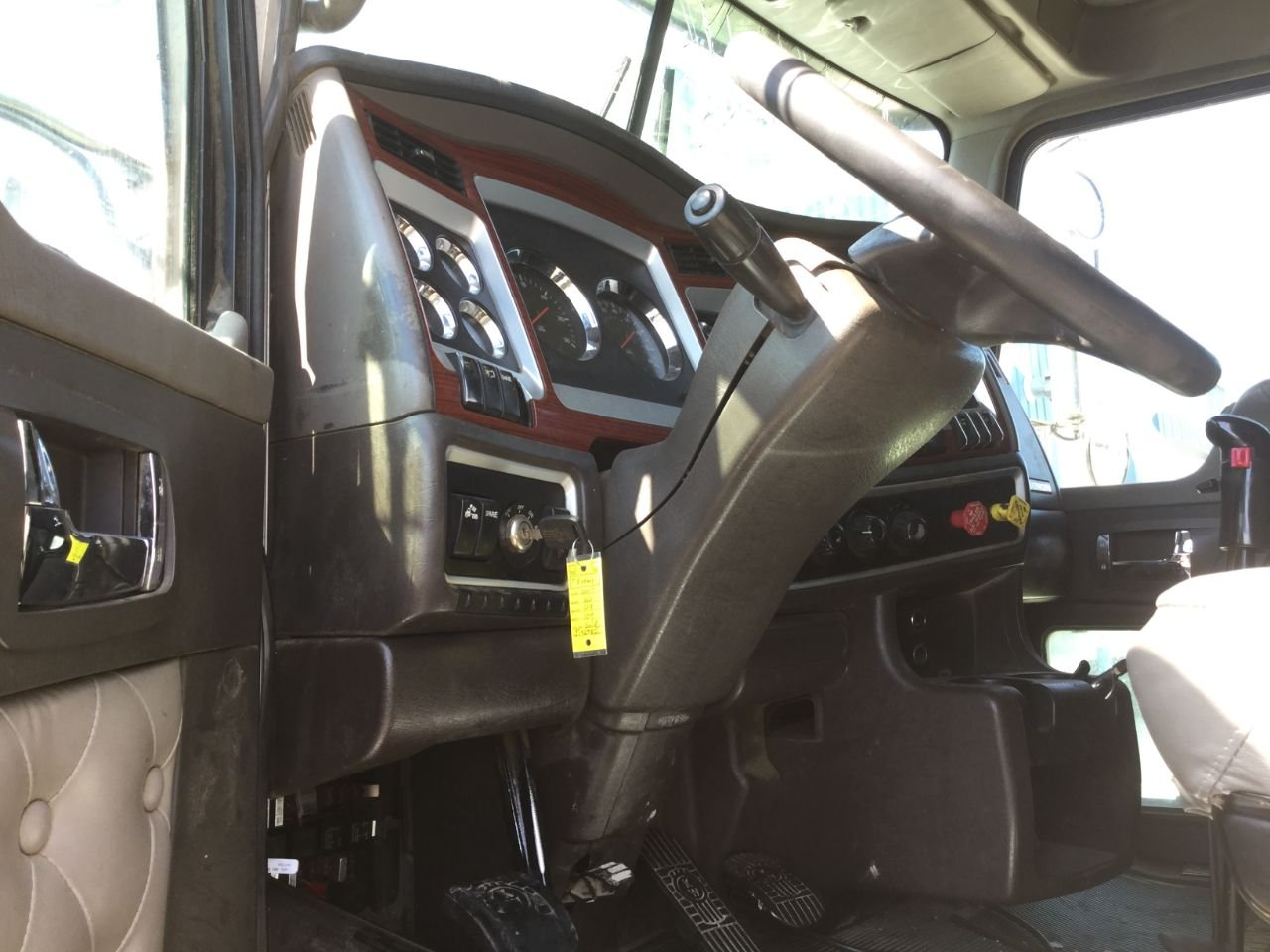 Kenworth W900l Steering Column