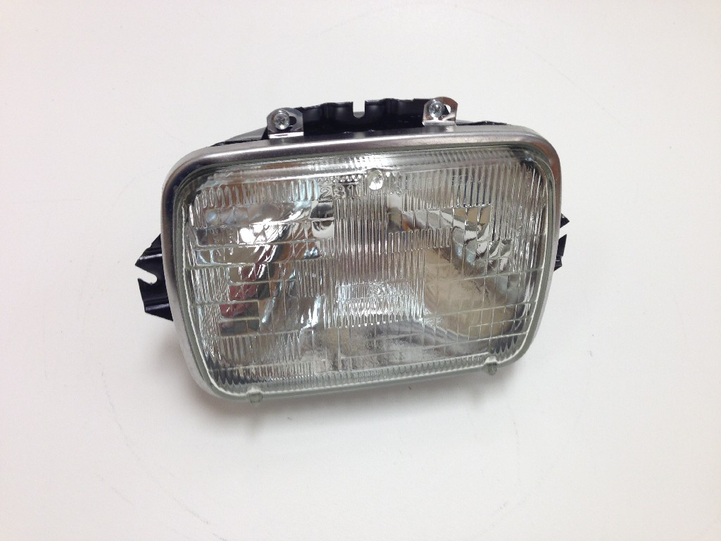 International 4700 Headlamp - 1686721C91