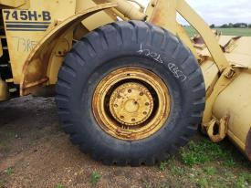 FIAT-ALLIS 745H Tire and Rim