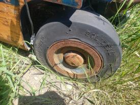 Toyota 5FGCU15 Tire and Rim
