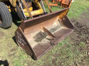 CASE 580CK Backhoe Attachments