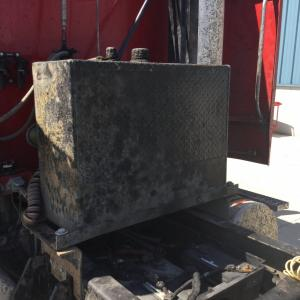 FREIGHTLINER COLUMBIA 112 Hydraulic Reservoir
