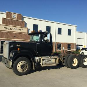 MACK RW SUPERLINER Truck