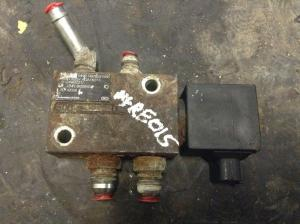 NEW HOLLAND L230 Hydraulic Valve