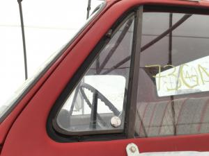 GMC 6000 Door Vent Glass