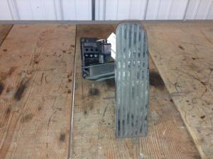 FREIGHTLINER M2 106 Throttle Pedal