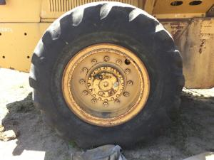 FIAT-ALLIS 545B Tire and Rim