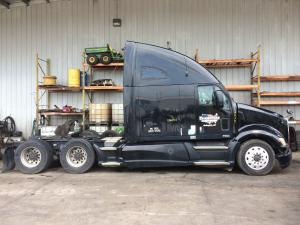 recent arrival KENWORTH T700