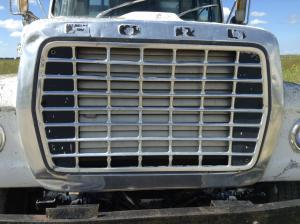 FORD LT9000 Grille