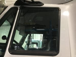 INTERNATIONAL PROSTAR Door Glass