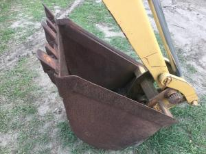 INTERNATIONAL 2504 Backhoe Attachments