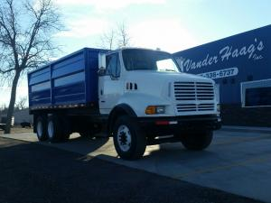STERLING L8513 Truck