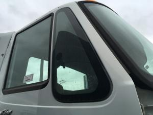 INTERNATIONAL TRANSTAR (8600) Door Vent Glass