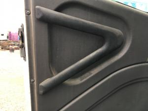INTERNATIONAL 9100 Door Handle