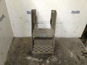 FREIGHTLINER FLD120 Step (Frame, Fuel Tank, Faring)