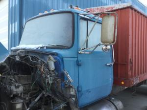 FORD LNT8000 Cab Assembly