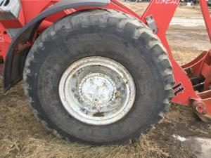 LINK-BELT L130 Tire and Rim