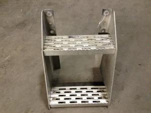 INTERNATIONAL 9900 Step (Frame, Fuel Tank, Faring)