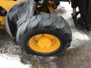 JCB 527-55 Tire and Rim