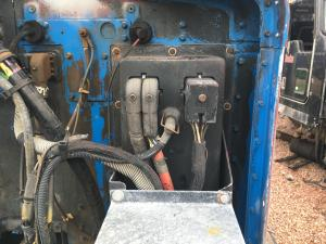 KENWORTH T600 Fuse Box