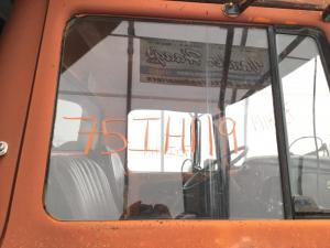 INTERNATIONAL 1700 LOADSTAR Door Glass