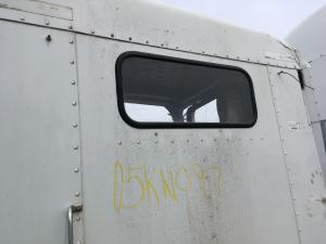 KENWORTH T800 Back Glass