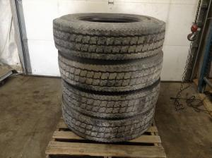 KENWORTH T300 Tires