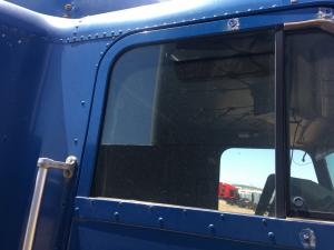 FREIGHTLINER FLD120 Door Glass