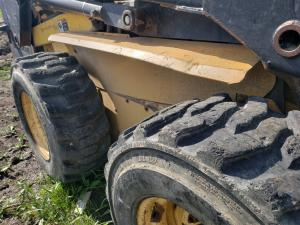 NEW HOLLAND LX885 Fender