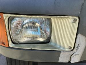 INTERNATIONAL 8100 Headlamp