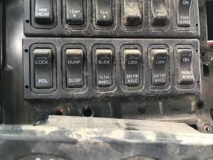 INTERNATIONAL PROSTAR Dash/Console Switch