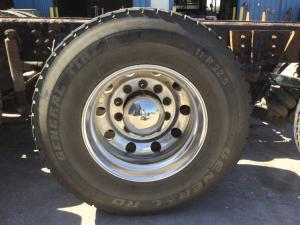 PILOT 22.5 STEEL Tire and Rim