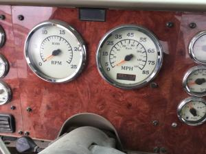 INTERNATIONAL 9900 Instrument Cluster