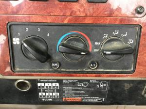INTERNATIONAL 9900 Heater & AC Temperature Control