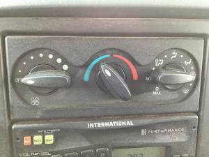 INTERNATIONAL 4300 Heater & AC Temperature Control