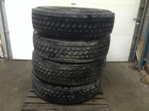 STERLING A9522 Tires