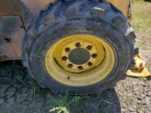 GEHL 4840 Tire and Rim
