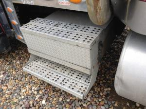 FREIGHTLINER CLASSIC XL Battery Box